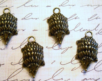 Antique brass hedgehog charms  2 charms good luck charm  19mm  Item 1971