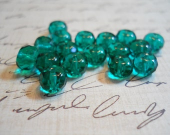 Czech faceted rondelle beads in True Emerald (25) 7mm item 2042