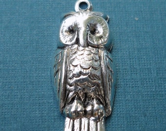 1835   Owl charms in antique silver