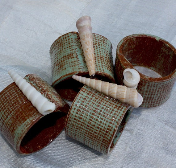Ceramic Napkin Rings wtih Natural Sea Shells. A set of 4. Inspired by Nature. Perfect Gift.