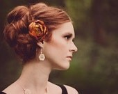 Irish rose crochet lace necklace. Bridal jewelry, photo prop.
