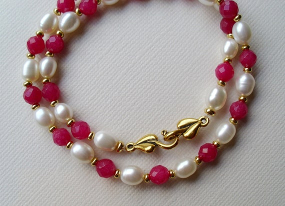 50 % SALE. Jade and pearl necklace