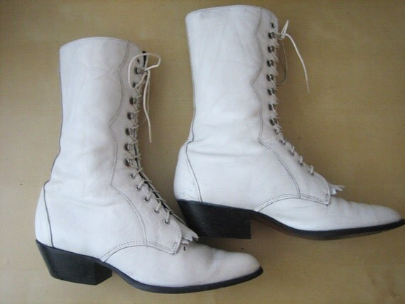 VTG Victorian White Leather Lace Up Boot 7