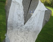 Vintage 1960's Delicate White Lace Dickie