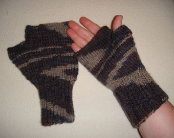 Fingerless Gloves in Browns and Blue