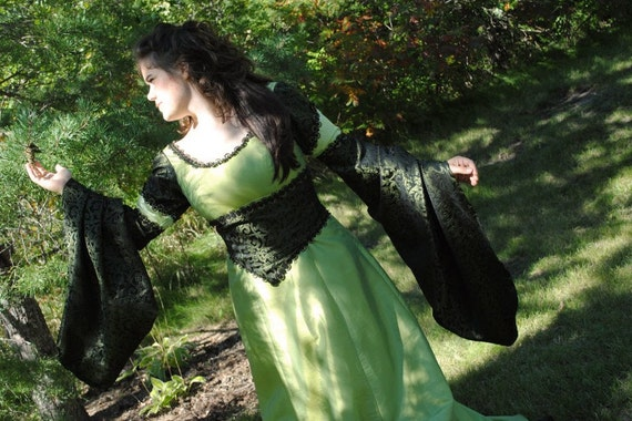 Medieval Fantasy Renaissance Green Gown 2nd payment RESERVED for Carmelonia
