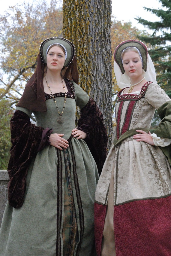 Renaissance Boleyn Court Tudor dress costume with 6 pieces in green and brown
