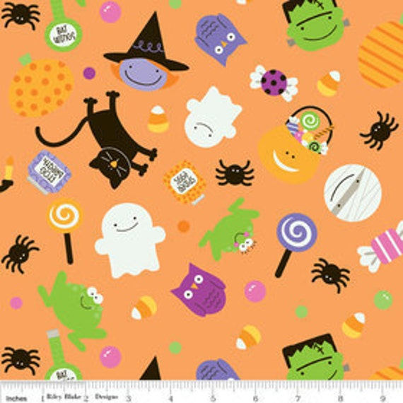 Riley Blake, Doodlebug Designs, TRICK OR TREAT, Main Toss in Orange, Fat Quarter