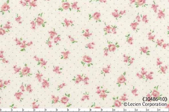 Japanese, Lecien, OLD NEW 30'S, Petite Flowers and Pin Dots in Pink on Ivory, 30486-10, Fat Quarter