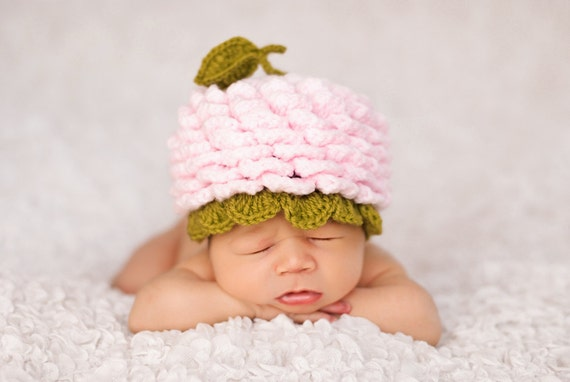 Baby  Crochet Beanie, Hat, in Pink  and Green, Photography prop, Newborn, Flower Power,