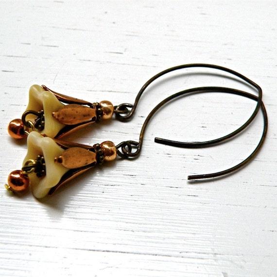 Cream Czech glass flower earrings,  copper tulip drops, copper accents, flower earrings, vintaj copper drops