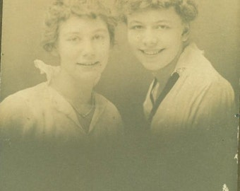 Vintage 1920s Studio Portrait 2 Young Women Short Curly Hair White Shirt Lace Collar Black Tie Photo Photograph