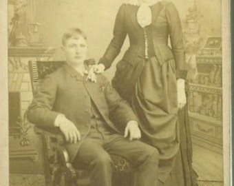 Buffalo NY Antique CDV Young Married Couple Elegant Victorian 1880s Dress Evening Gown Photo Photograph Studio Portrait