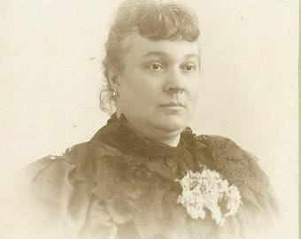 Providence RI Victorian Woman Fashion Dress Cabinet Card Studio Portrait Antique Photograph Photo New England Rhode Island