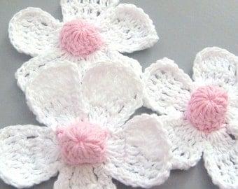 5 Large  Handmade Crochet Flower Appliques...White... EA114-2