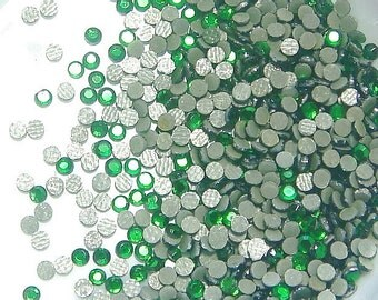 1440 Hotfix Glass Rhinestones...Emerald...2mm...ss6...10 Gross...05
