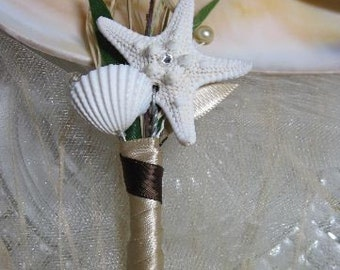Boutonniere Sparkly Starfish and Seashell for your Beach Wedding