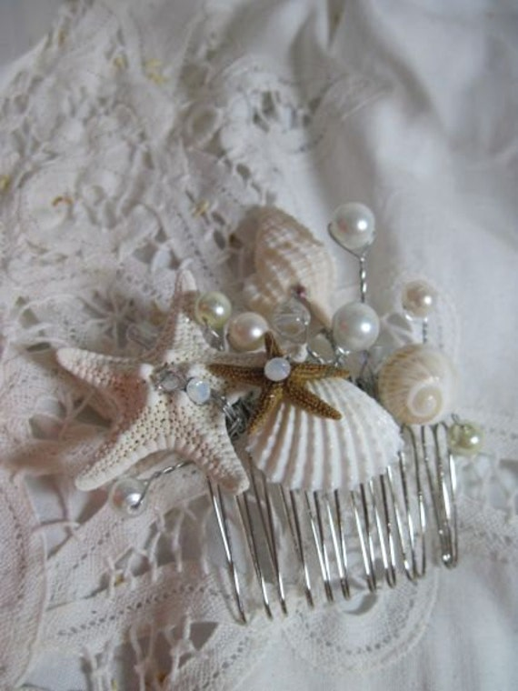 seashell hair comb for beach and destination weddings with