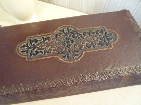 Smith Crafted Leather Look Embossed Box