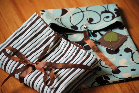 TO GO SET - Diaper\/Wipes Tote and Changing Pad for Boy or Girl in Blue and Brown