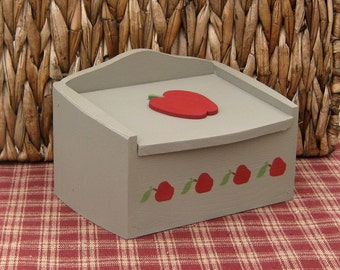 Recipe Box, Apples, Painted Wood, Kitchen, Recipes, Farmhouse Decor, Country Kitchen, Fruit Decor, Tan, Red Apples, Rustic, Primitive