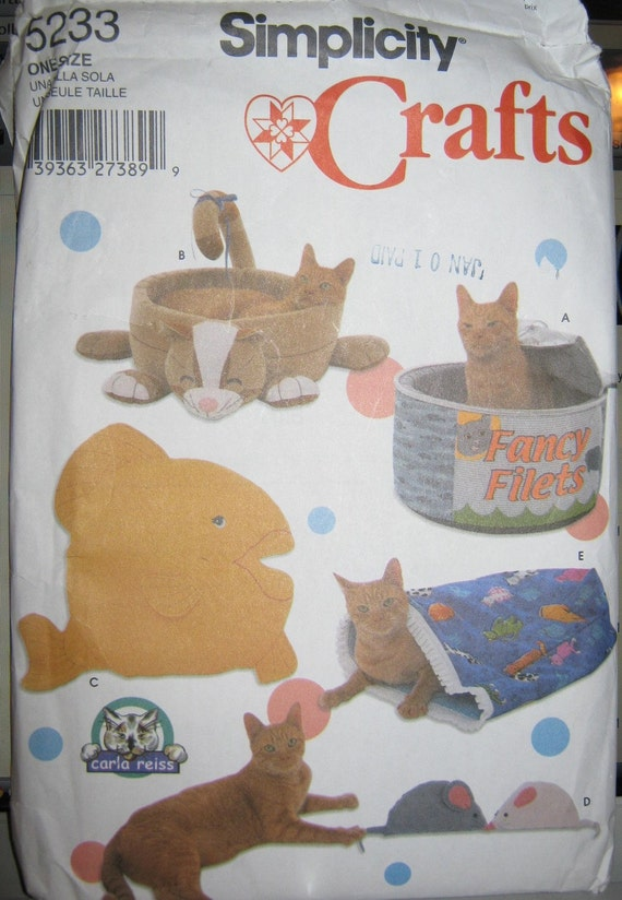 Simplicity 5233 Cat Beds and toys sewing pattern