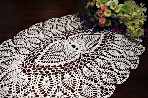 White Oval table topper