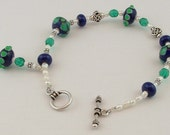 Lampwork Bead Bracelet Classic Navy Blue and Kelly Green