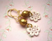 Shabby Chic Earrings by KolibriKado with little white Vintage Lace Flowers and matt golden glass faceted beads