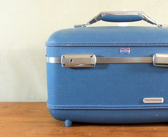 Vintage American Tourister Train Case, Blue