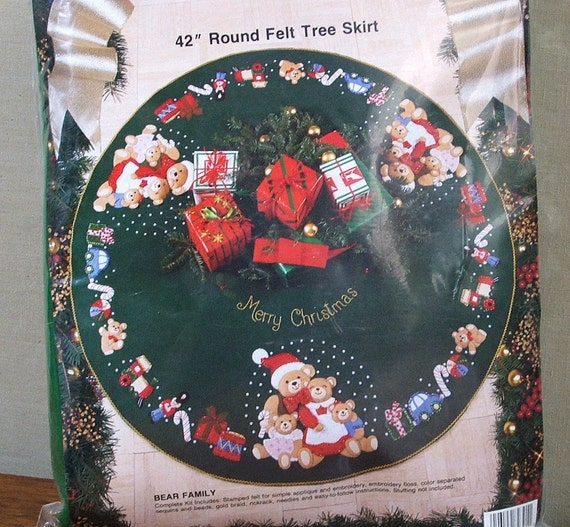 Vintage christmas tree skirt bucilla kit bear family
