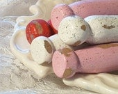 5 shabby chic white red rose pink glittery vintage wooden clothespins old fashioned wood laundry pegs valentine colors