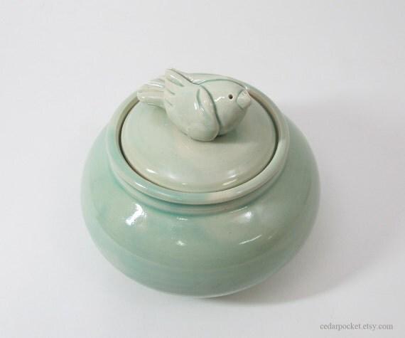 Lidded Celadon Jar with a Plump Sculpted Bird