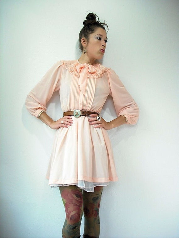 Vintage 70's Sheer Peach Tuxedo OVERSIZE LACE RUFFLE ACCORDION COLLAR Ascot Dress