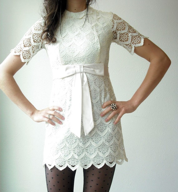 Vintage 70's White CROCHET LACE Big Bow Micro Mini Layering Scalloped Tiers Tunic Dress