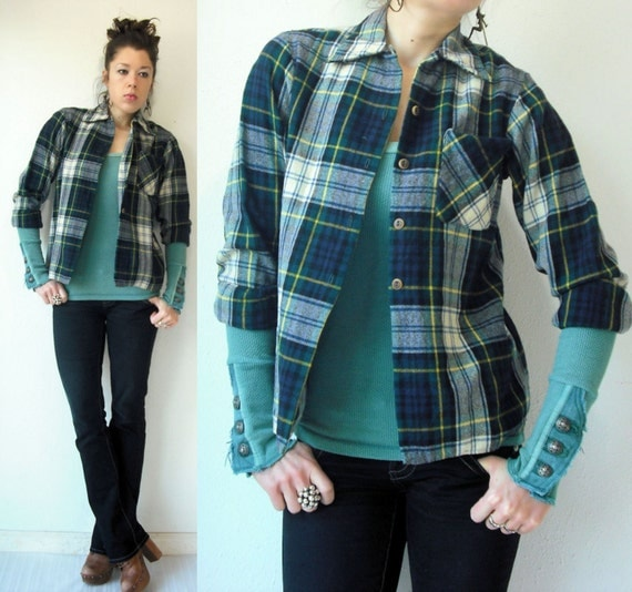 SALE....70's Vintage Navy Plaid Lumberjack Boyfriend Skinny Fit Grunge Button Up Wool Flannel Shirt