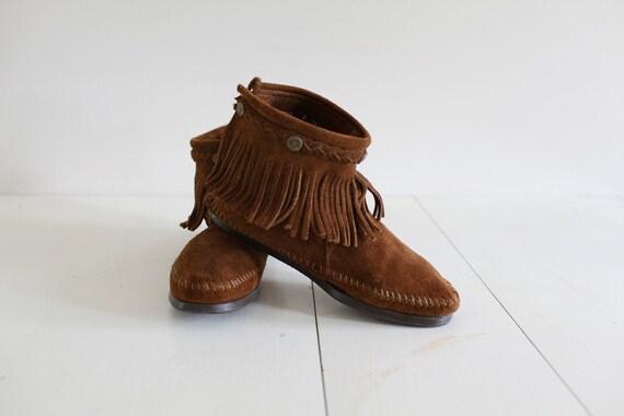 Fringe Minnetonka Moccasins Ankle Boots 8