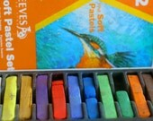 Set of 12 Reeves Fine Soft Pastels