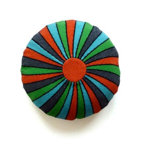 Lambswool round bright cushion 40cm