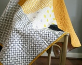 Elephants and dots in yellow and grey quilt - kid or lap blanket