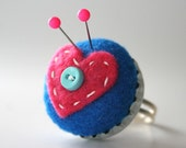 Poptop Mini Pincushion Ring - Blue with Pink Heart