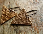 triangle of lace bronze earrings : handmade bronze with nickel free natural brass- passementerie