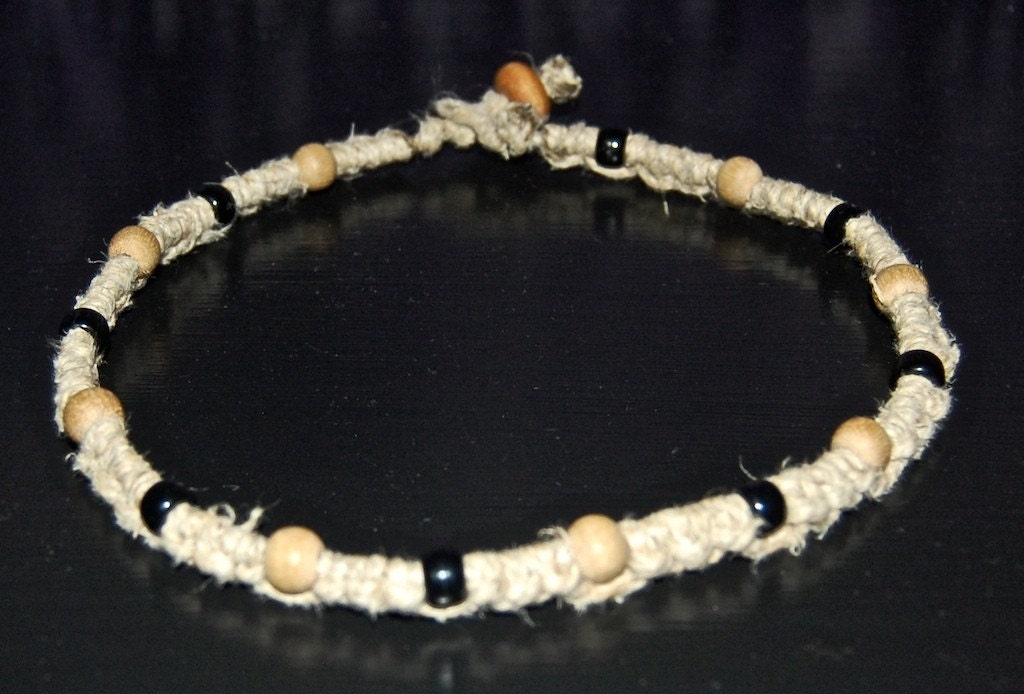 s hemp choker necklace with plastic black and brown