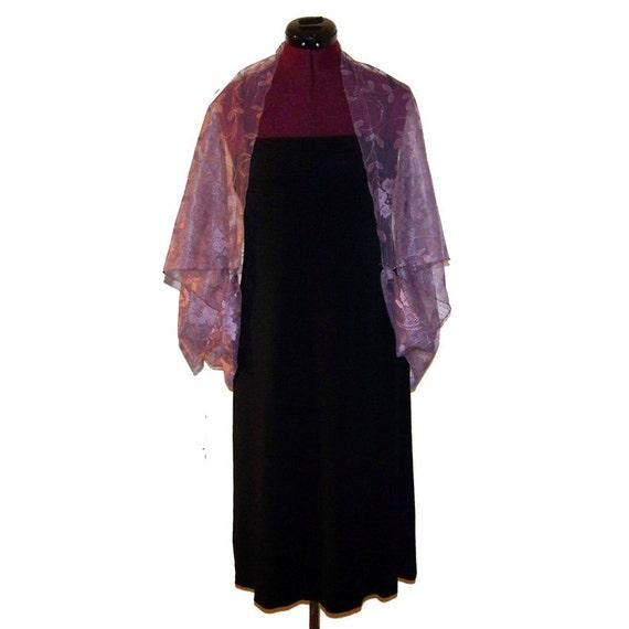 ON SALE Women's Handmade Lavender Lace Shrug - Lavender Lace Cover Up Shrug
