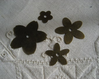 Metal Flowers 16 Piece Set