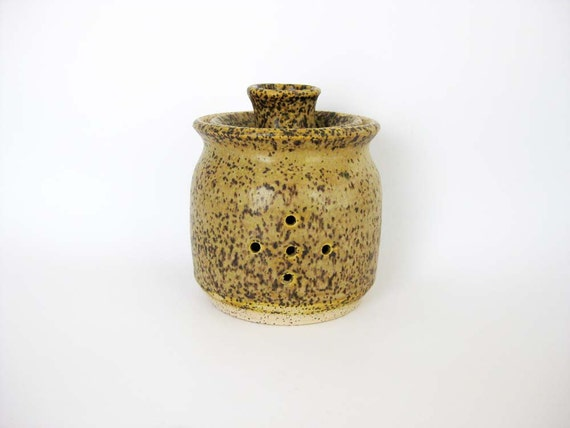 Speckled Stoneware Garlic Keeper