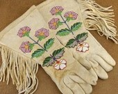 Vintage 1940s Sioux Indian Rosebud Beaded Buckskin Leather Gloves