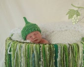 KNIT BABY HAT - St Pattys Day Apple Green Elf Hat for Baby - Photography Prop