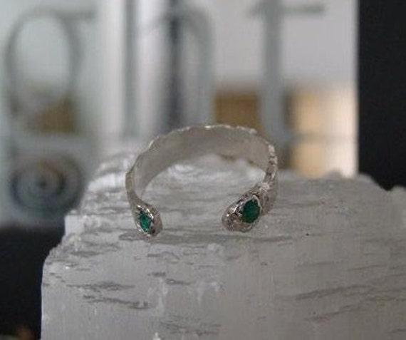 The Time Traveler - Chrome Diopside Gem Silver Ring