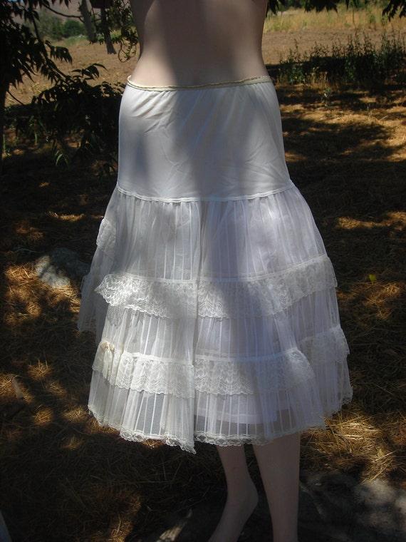 1950's Stiff, White, Layered Petticoat - Size M